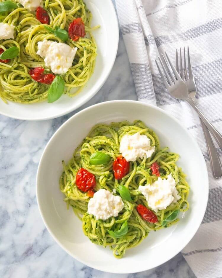 pesto pasta with sundried tomatoes and burrata