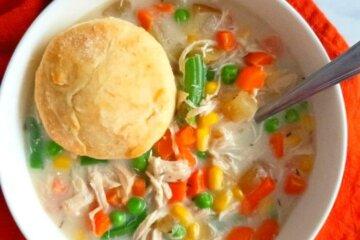 slow cooker chicken pot pie soup