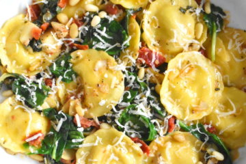 ravioli with spinach artichoke sun-dried tomatoes pine nuts easy dinner 20 minute dinner