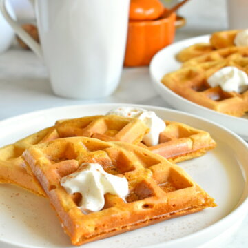 healthy pumpkin spice waffles